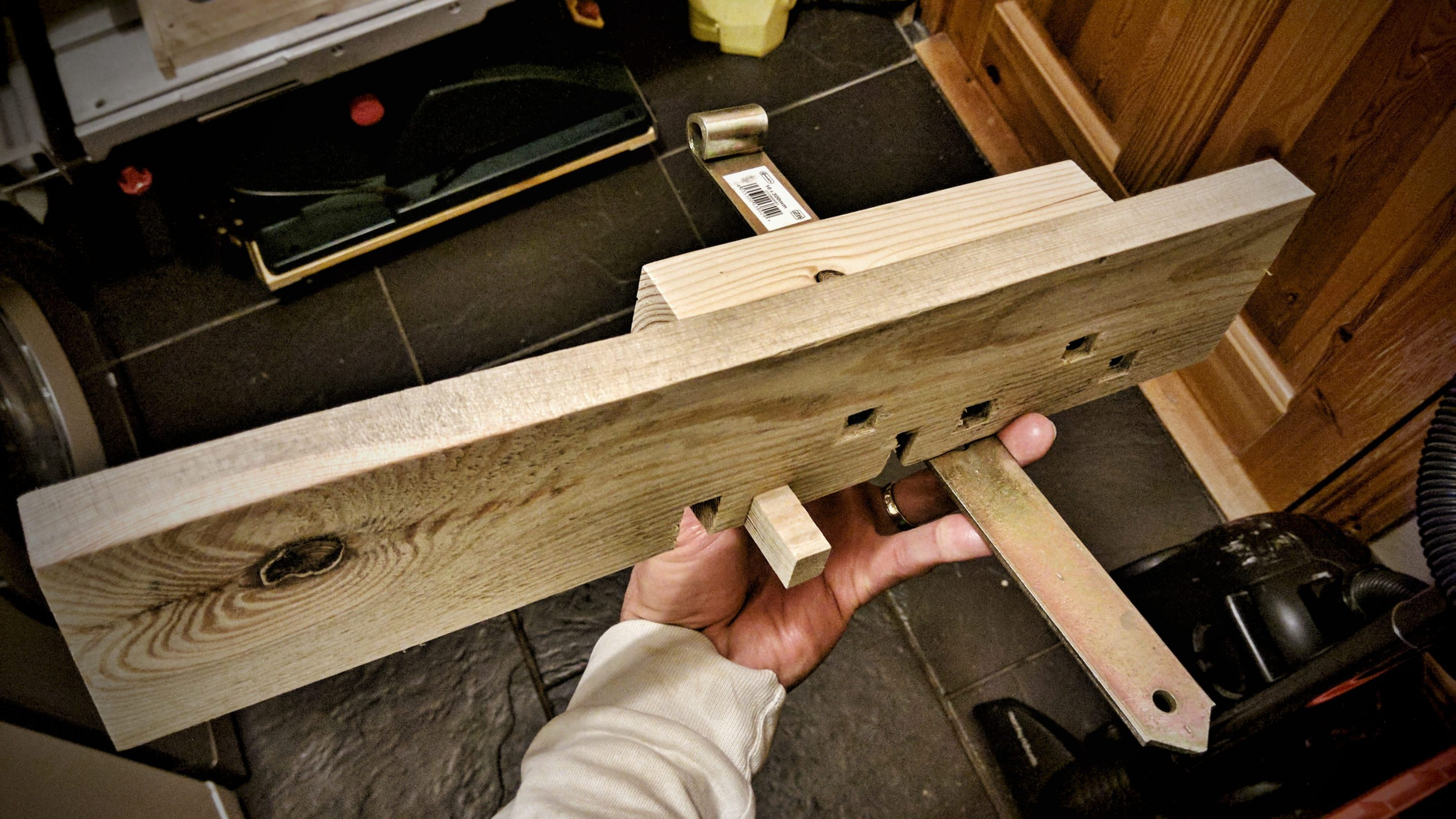 box joint jig router table